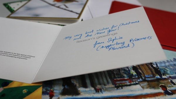 Send Christmas cards to prisoners overseas